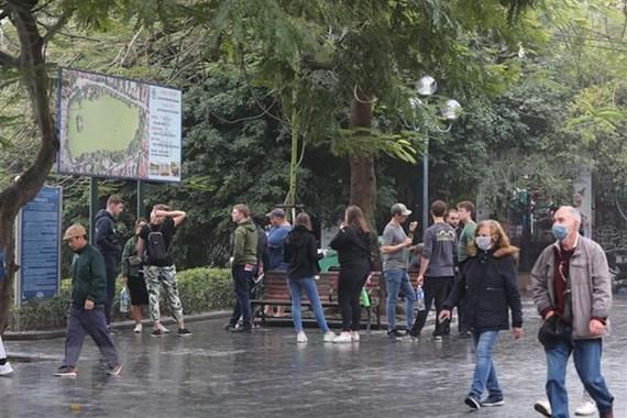 Foreign tourists (Photo: VNA)