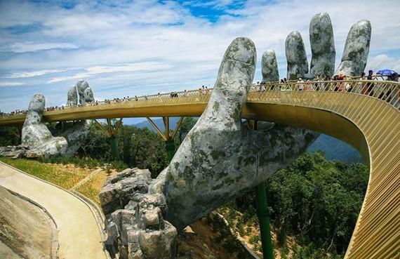The iconic Goden Bridge in Da Nang city (Photo: VNA)