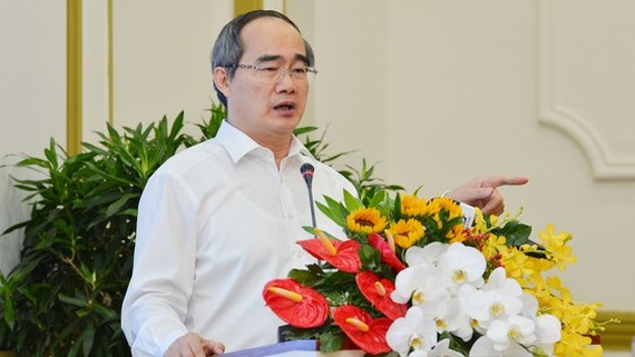Secretary of the HCMC Party Committee Nguyen Thien Nhan speaks at an online conference on the planning for the city's economic recovery and development from the COVID-19. (Photo: SGGP)