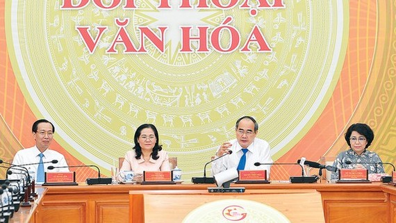 Secretary of the HCM City Party Committee Nguyen Thien Nhan speaks at the event. (Photo: SGGP)