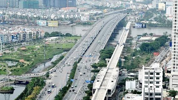 The Ben Thanh-Suoi Tien metro line runs across Sai Gon River . (Photo: SGGP)