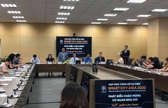At the press conference (Photo: VNA)