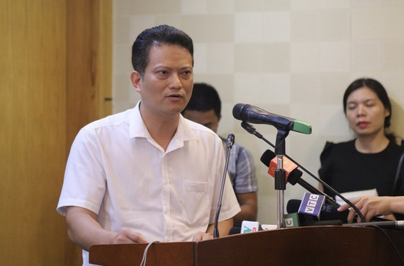 Director of the Environmental Impact Assessment Department under the ministry's Vietnam Environment Administration, Nguyen Xuan Hai speaks at the press conference.