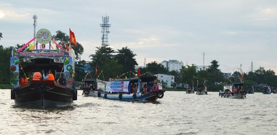Cai Rang Floating Market Culture and Tourism Festival