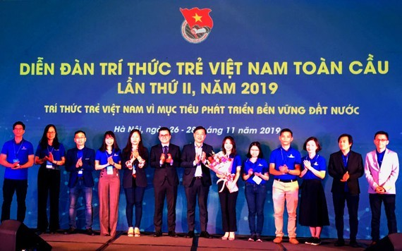 the 2019 Global Young Vietnamese Intellectual Forum takes place in Hanoi.