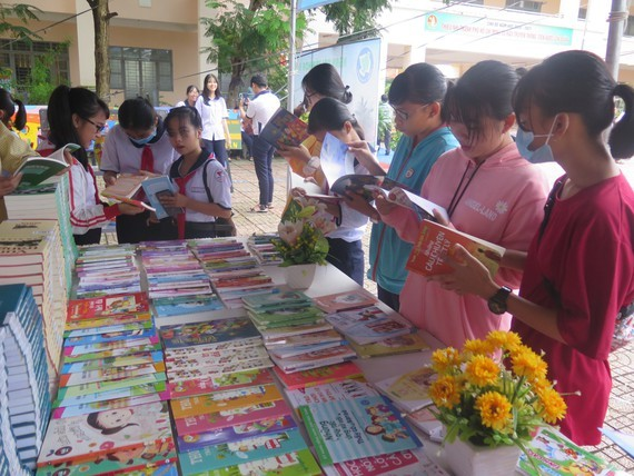Can Gio District hosts Reading Culture Day