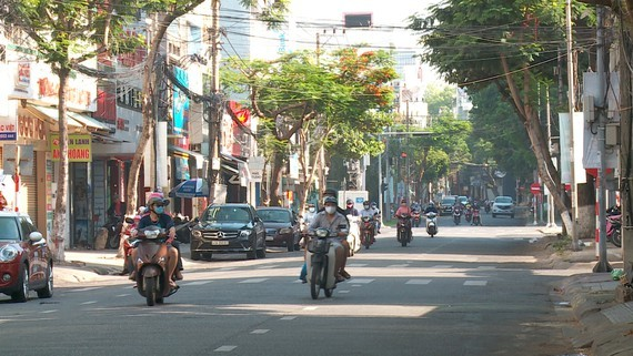 All activities in Da Nang City go back to normal from 0 a.m. on September 25 with safety requirements .