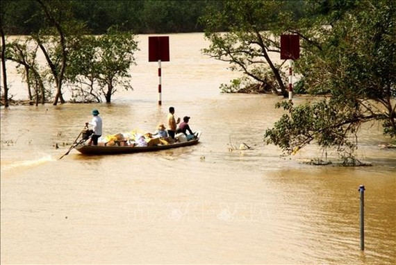 Heavy rains claim more than 100 lives in central Vietnam (Photo: VNA)