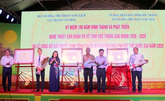 Announcement ceremony of the decision to recognize  three national intangible cultural heritages in Soc Trang Province