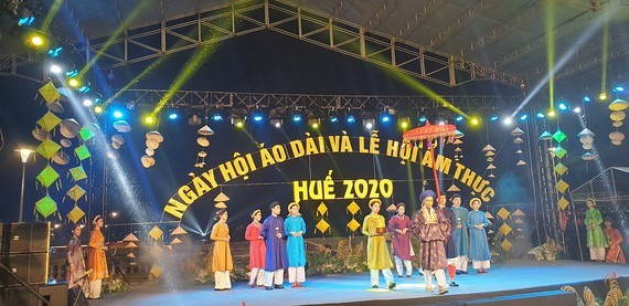 Festival promoting Ao Dai, Hue cuisine opens in ancient capital