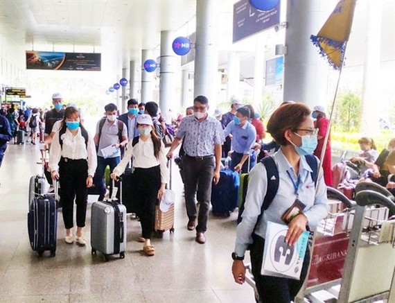 Tourists travel to the central city of Da Nang for meetings, incentives, conferencing, and exhibitions (Photo: VNA)