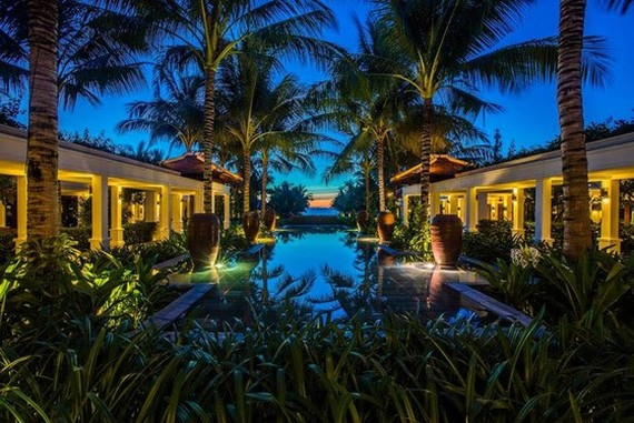 The Anam Resort Cam Ranh will create memorable moments for its guests with romantic candlelight dinners.