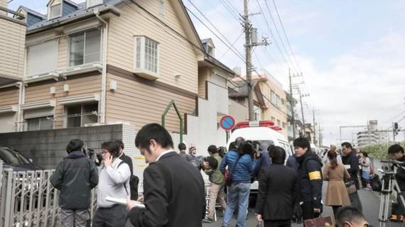 Báo chí bao quanh ngôi nhà của nghi phạm giết người hàng loạt (nguồn: Reuters)
