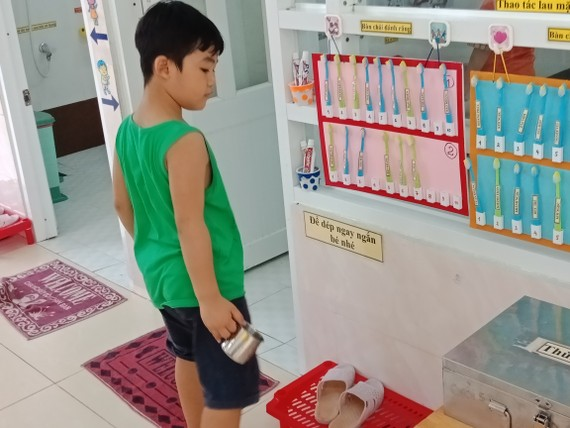 Tuyên truyền học sinh giữ gìn vệ sinh cá nhân là một trong những biện pháp ngăn ngừa sự lây lan của dịch bệnh (Ảnh minh họa)