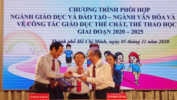 Sở GD-ĐT và Sở VH-TT TPHCM ký kết chương trình phối hợp về công tác giáo dục thể chất và thể thao học đường giai đoạn 2020-2025