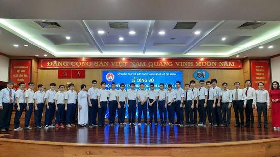 Đội tuyển TPHCM dự thi học sinh giỏi quốc gia môn Toán, đội tuyển có số lượng học sinh đông thứ nhì trong số 11 đội tuyển