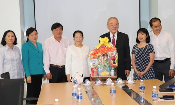 Đồng chí Võ Thị Dung, Phó Bí thư Thành ủy TPHCM thăm Công ty cổ phần Acecook Việt Nam