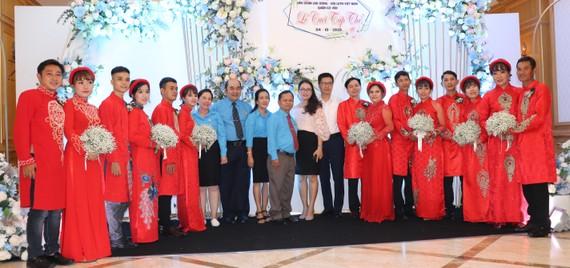 Niềm vui của 7 cặp đôi công nhân tại lễ cưới tập thể
