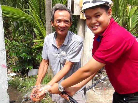 Hộ nghèo, cận nghèo trên địa bàn TPHCM sẽ được miễn, giảm tiền nước trong 6 tháng