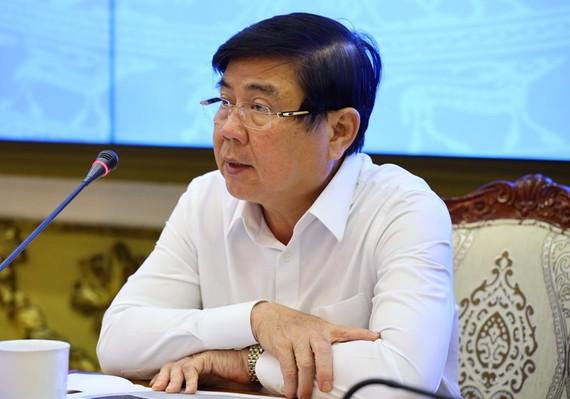 Chủ tịch UBND TPHCM Nguyễn Thành Phong phát biểu chỉ đạo tại cuộc họp. Ảnh: TTBC