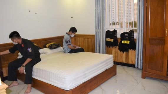 Phòng khách sạn được anh Ngọc và chị Quý, phường Tam Bình (TP Thủ Đức) cho địa phương mượn làm chỗ ăn nghỉ cho cán bộ, chiến sĩ tham gia chống dịch