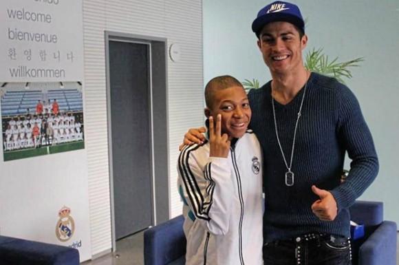Cầu thủ trẻ hay nhất World Cup Kylian Mbappe: Tương lai của Les Bleus ảnh 2