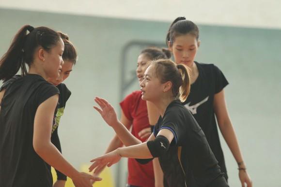 Giải bóng chuyền nữ quốc tế Indonesia 2019: U.23 Việt Nam đấu trận ra quân với 4.25 Triều Tiên ảnh 6
