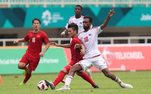 """Vòng loại World Cup 2022: UAE và thế """"tọa sơn quan hổ đấu"""" ảnh 1"""