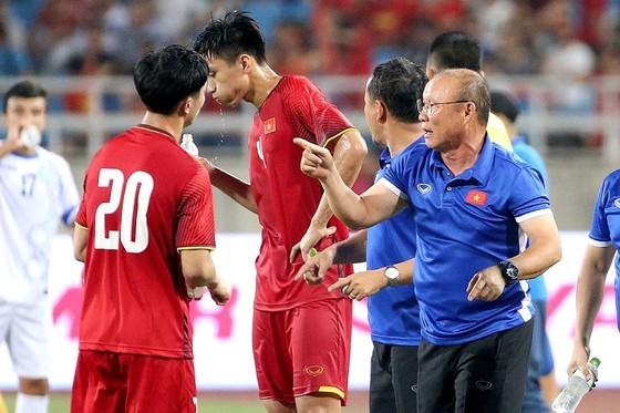 HLV Park Hang-seo và các học trò đang tích cực chuẩn bị cho vòng loại World Cup 2022. Ảnh: MINH HOÀNG