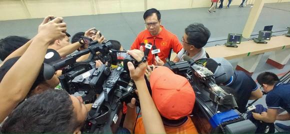 Xạ thủ Hoàng Xuân Vinh chỉ đoạt HCB nội dung từng vô địch Olympic ảnh 2