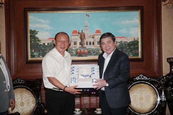 HLV Park Hang-seo đã giúp bóng đá Việt Nam phát triển mạnh mẽ ảnh 1