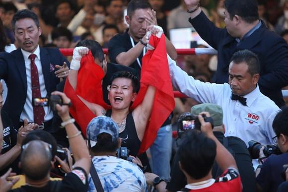 Thu Nhi trở thành nữ võ sĩ Việt Nam đầu tiên đoạt đai WBO châu Á - Thái Bình Dương.
