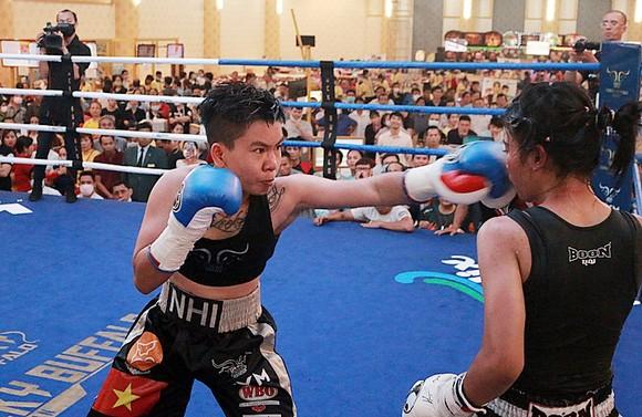 Thu Nhi trở thành nữ võ sĩ Việt Nam đầu tiên đoạt đai vô địch WBO châu Á ảnh 2