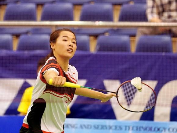 Tay vợt Nguyễn Thuỳ Linh.