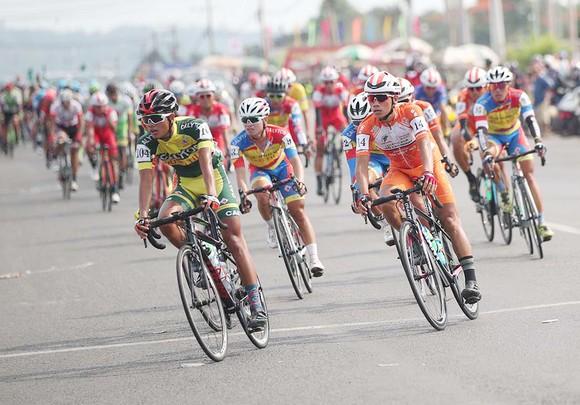Cúp xe đạp truyền hình TPHCM khởi động cho thể thao Việt Nam ảnh 2