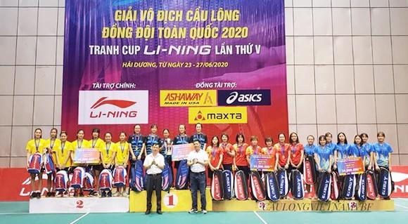 Lần đầu tiên sau 10 năm, cầu lông nữ TPHCM mới giành được HCV đồng đội.