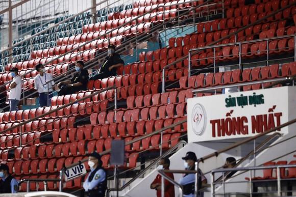 Sân Thống Nhất tuân thủ nghiêm túc phòng chống dịch Covid-19 ảnh 3