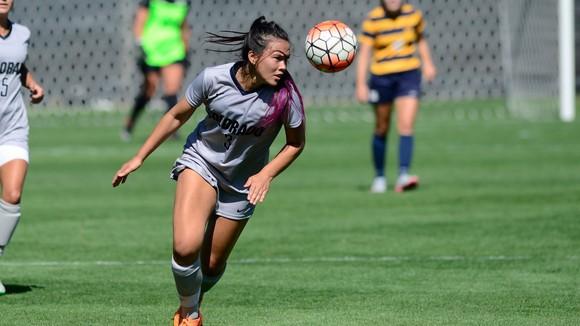 Nữ cầu thủ Việt kiều Alexandra Huỳnh khao khát được khoác áo Đội tuyển Việt Nam.