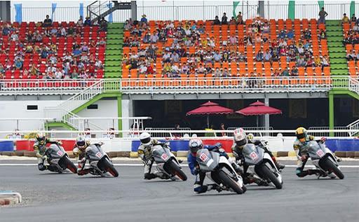 Đua xe mô tô phân khối lớn tại Việt Nam.
