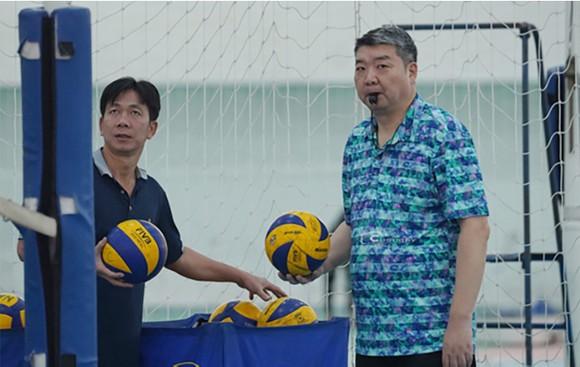 Ngày 5-5 sẽ quyết định chuyên gia Li Huan Ning tiếp tục hay dừng dẫn dắt đội tuyển bóng chuyền nam ảnh 1