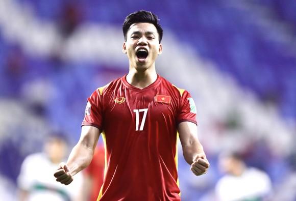 Những khoảnh khắc ấn tượng trong chiến thắng 4-0 của Việt Nam trước Indonesia ảnh 7
