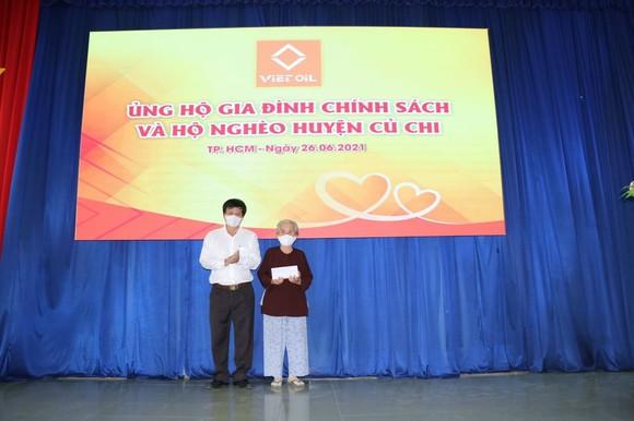 Xuyên Việt Oil trao tặng 5 tỷ đồng đến các gia đình chính sách ở huyện Củ Chi ảnh 2