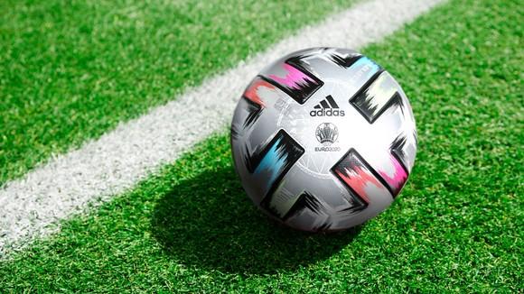 Trái bóng Uriforia Finale sẽ dành cho các trận bán kết và chung kết của Euro 2020.