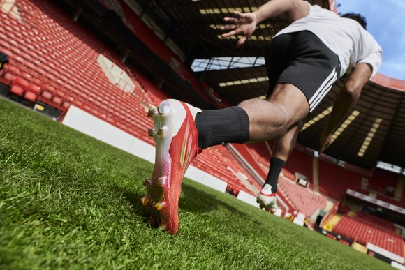 """adidas chính thức ra mắt """"vua tốc độ sân cỏ"""" X SpeedFlow ảnh 2"""