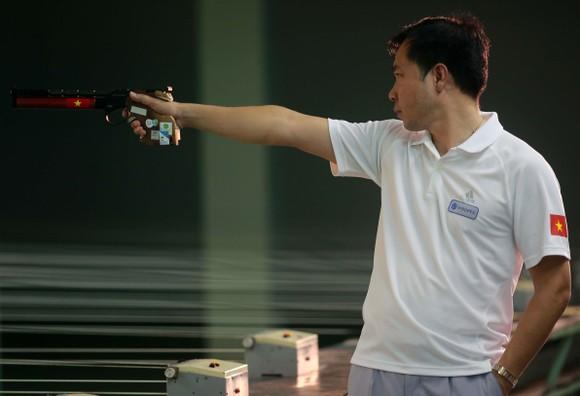 Hoàng Xuân Vinh sẽ bước vào hành trình bảo vệ tấm HCV 10m súng ngắn hơi nam.