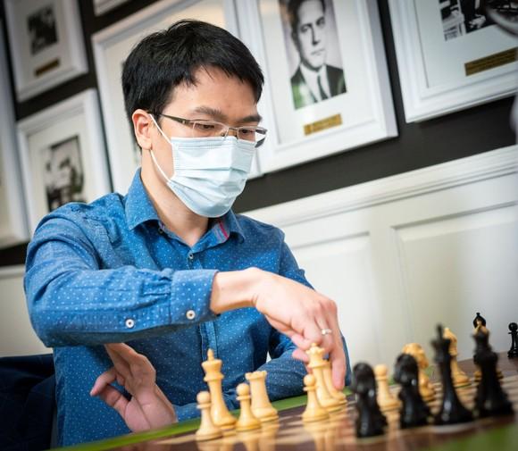 Đại kiện tướng quốc tế Lê Quang Liêm tại giải cờ St Louis 2021. Ảnh: BTC Grand Chess Tour 2021