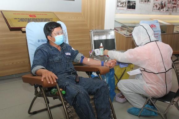 Cấp điện liên tục cho 538 cơ sở tiêm vaccine Covid-19 ảnh 1