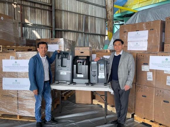 Ông David Dương trao tặng thêm 1.000 máy trợ thở cho Việt Nam ảnh 1