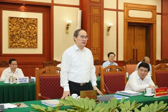 Tập thể Bộ Chính trị làm việc với tập thể Ban Thường vụ Thành ủy TPHCM  ảnh 2