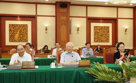 Tập thể Bộ Chính trị làm việc với tập thể Ban Thường vụ Thành ủy TPHCM  ảnh 5